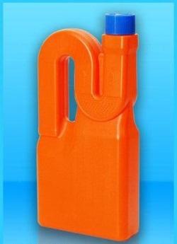 Пластиковый флакон под средства для прочистки труб